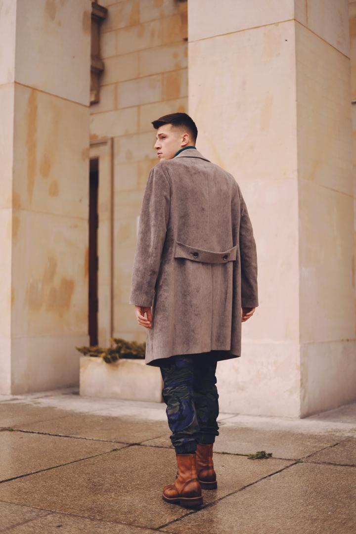 militarny płaszcz męski