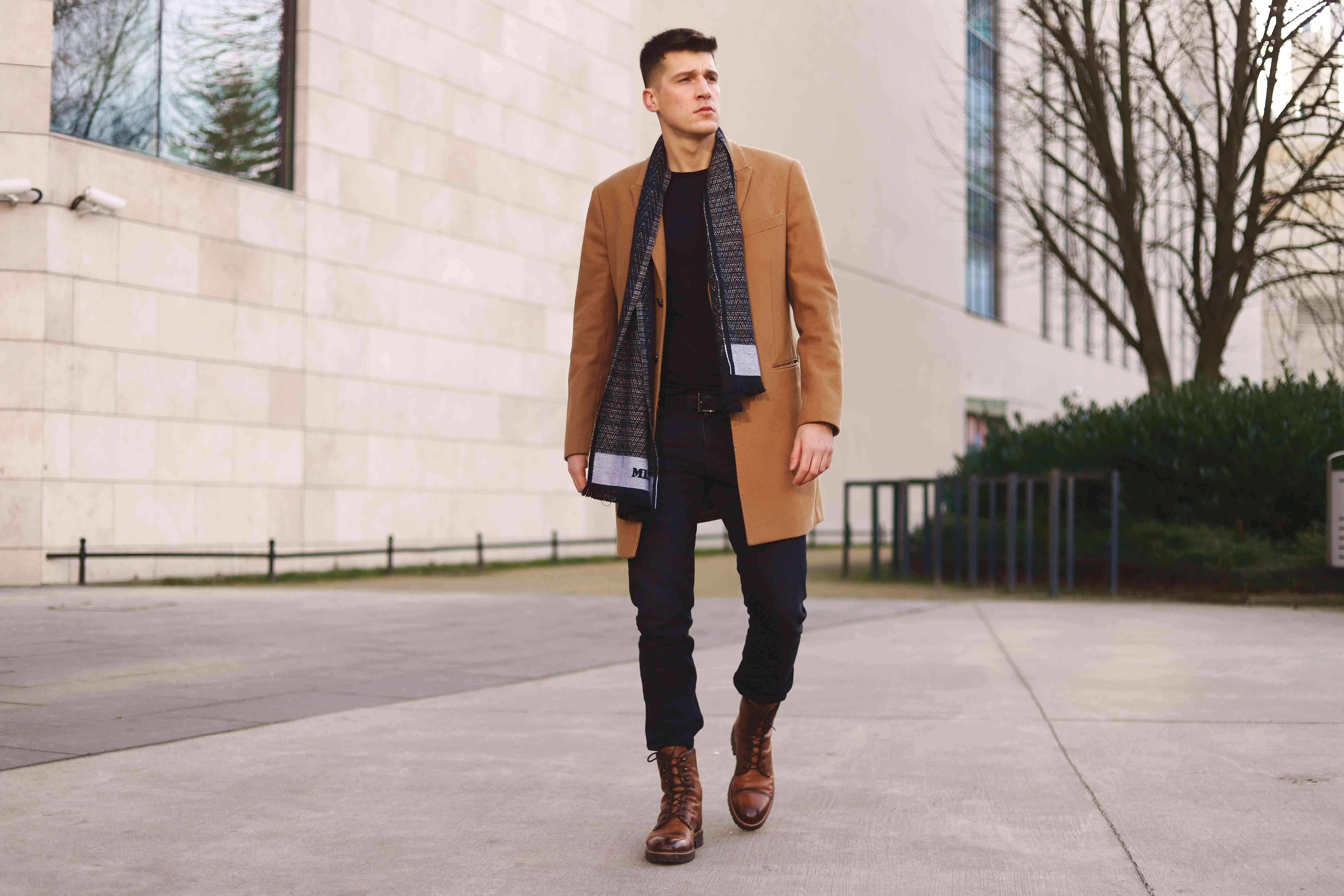 płaszcz beżowy męski