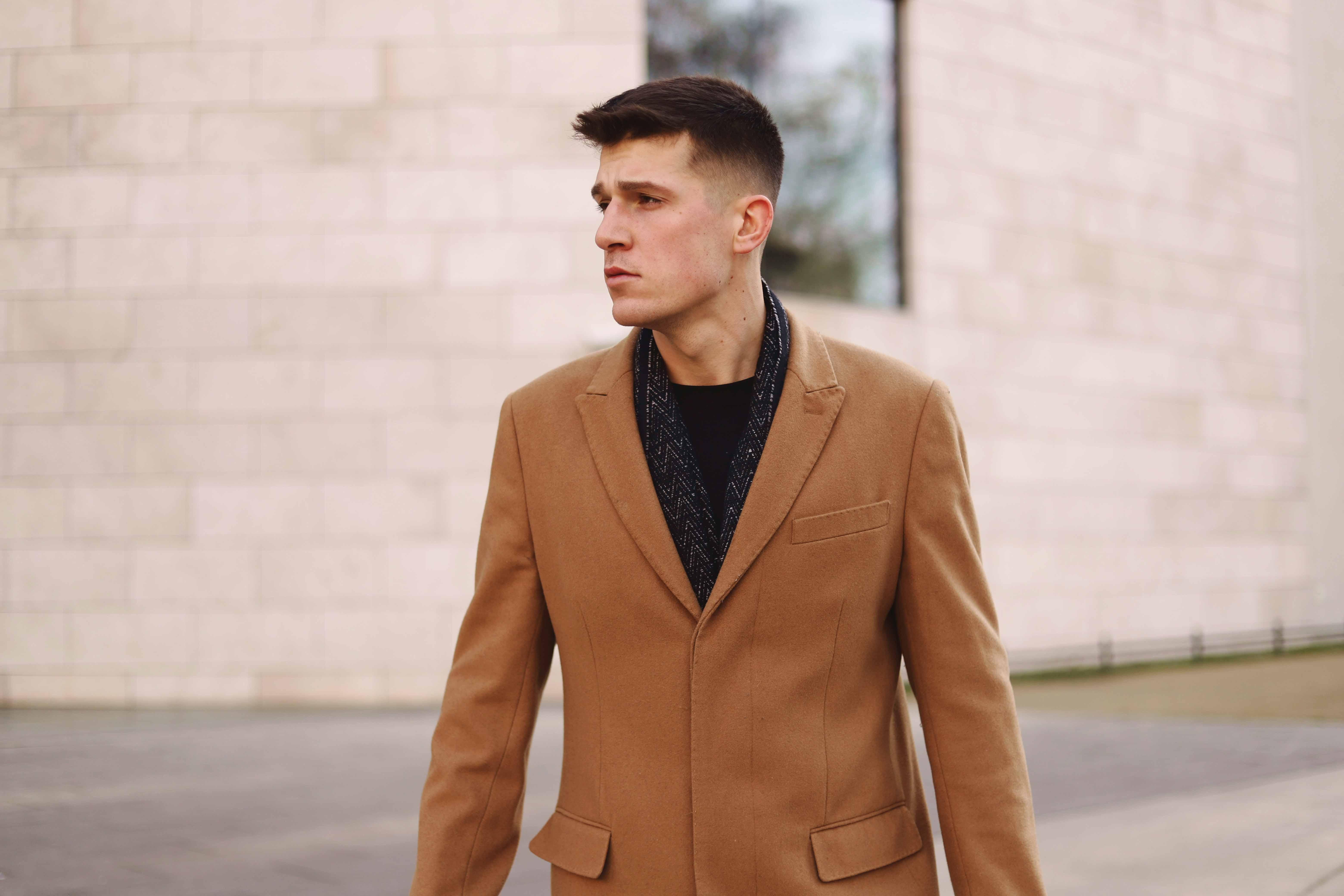 płaszcz męski beżowy